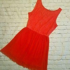 TOPSHOP Pleated Lace Mini Dress